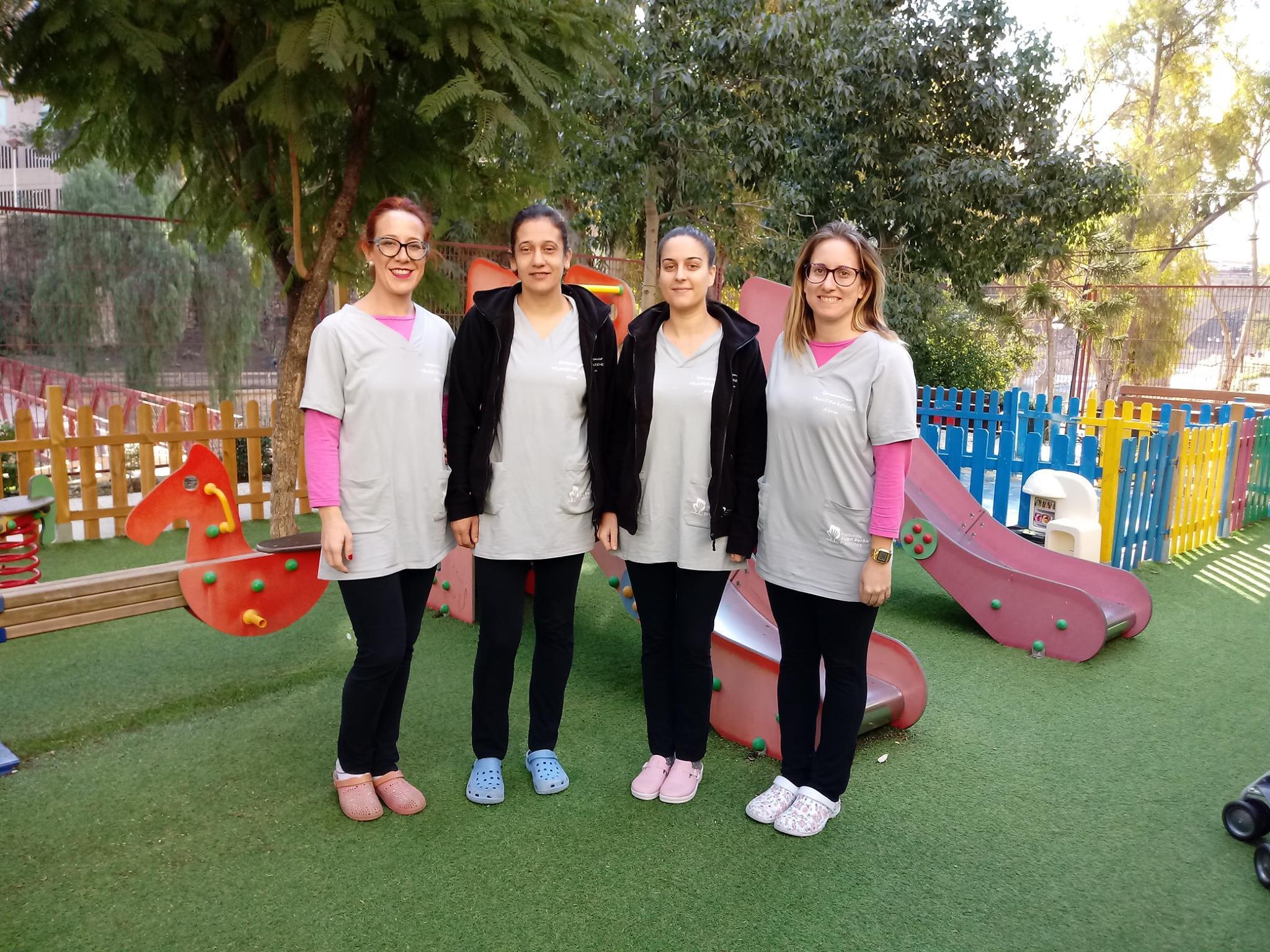 uniforme-salud-infantil-fundacio-pikolinos-a-puntadas